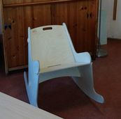 Rocking chair as school furniture, that makes the school day with this school chair a daily pleasure. This creates creativity and keeps the subject matter even better.